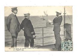 83 Toulon Un Lacher De Pigeons A Bord D Un Croiseur - Toulon