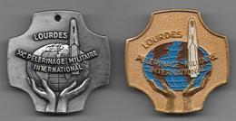 Pèlerinage Militaire International - Lourdes - 2 Insignes - Insignes & Rubans
