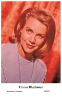 HONOR BLACKMAN - Film Star Pin Up PHOTO POSTCARD - E416-4 Swiftsure Postcard - Artistas