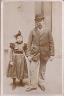Photo : Père Et Sa Fille En Pose : Très Belle Photo. ( Format 16,2cm X 10,8cm ) - Old (before 1900)