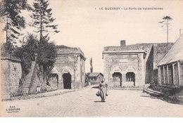 CPA LE QUESNOY (59) LA PORTE DE VALENCIENNES  - ANIMEE - Le Quesnoy