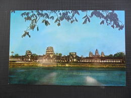 CAMBODIA - AN ENTRANCE GATEWAY TO ANGKOR WAT SEEN ACROSS THE MOAT CAMBODIA - Cambodia