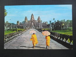 CAMBODIA - ANGKOR WAT Seen Trought The Main Entrance - Cambodia