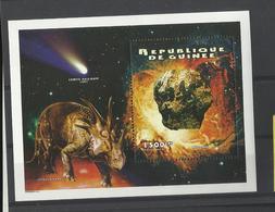 Guinée   YT** MNH  BF 140 Météorite Comète Dinausore Styracosaurus - Space