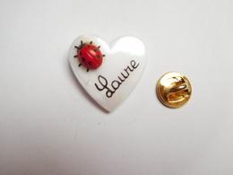 Beau Pin's En Relief , Cœur , Coccinelle , Prénom Laure - Animaux