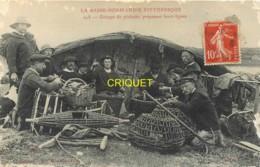 Dépt. 50, Groupe De Pêcheurs Préparant Leurs Lignes - Other Municipalities