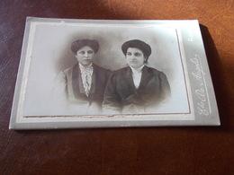 B713  Foto Cartonata Donne Cm10,5x7 Leggera Screpolatura Al Retro - Non Classificati