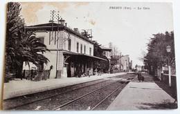 CPA 83 Fréjus La Gare - Frejus