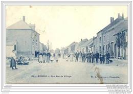 MUSSON ..--  Une Rue Du Village . 1910 Vers HANZINNE ( Melle Hélène DENET )  . Voir Verso . - Musson