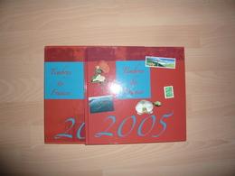 LE LIVRE DES TIMBRES FRANCE 2005 AVEC LES TIMBRES - Sonstige Bücher