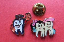2 Pin's, Medical,dent,dentiste,SZV,Zahnarzt,Zahn,Suisse - Médical