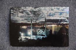 ISTANBUL - Mosquée De Nuit Et Le Bosphore - Turquie