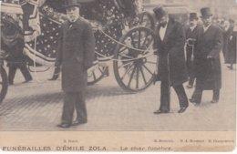 Zola_75 - Funérailles D'Emile Zola - Le Char Funèbre - Mrs Duret, Bruneau, Hermant Et Charpentier - Personnages