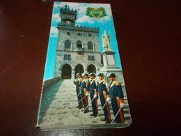 B715   Libretto San Marino Con 18 Vedute Cm15x7 - San Marino