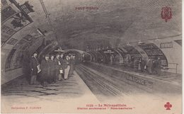 """PARIS XX : Le Métropolitain . Station Souterraine """" Père -Lachaise """" . - Metro, Estaciones"""