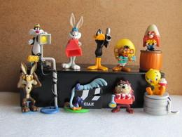 Kinder 2002 : Série Complète : Les Looney Tunes Fonds Du Cinéma (9 Figurines + 6 BPZ) - Cartoons