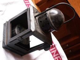 -Lanterne Ancienne Avec Sa Fixation Et Son Réchaud - Hauteur 24 Cm //  Manquent Les Verres - Lamps