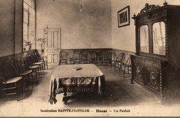 INSTITUTION SAINTE CLOTILDE  DOUAI UN PARLOIR - Douai
