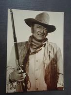 John Wayne Avec Sa Carabine Mai 1987 - Artisti