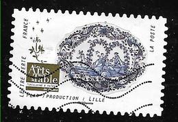 FRANCE Adhésif 1529  Porcelaine Et Faïence Plat Lille Les Arts De La Table - Adhesive Stamps