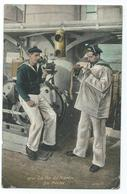 CPA Bateau Navire De Guerre Cuirassé Marin Allumant La Mèche - Guerre