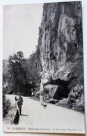 CPA Algérie Tlemcen Route Des Cascades Le Trou Des Chacals Personnages - Tlemcen