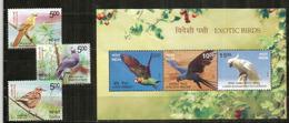Oiseaux Exotiques De L'Inde. Bloc-feuillet + Série Neufs **  Année 2017 - Parrots
