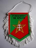 PETIT FANIONS BI FACE REGIMENT CAVALERIE 1° SPAHIS TRES BON ETAT - Flags