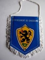PETIT FANIONS BI FACE REGIMENT DE CHASSEURS RC TRES BON ETAT - Flags