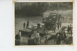 PHOTOS ORIGINALES - ANNÉES 60 - AFRIQUE - REPUBLIQUE CENTRAFRICAINE - BAMBARI (environs)- Passage D'un Lac (en Camion ) - Afrika