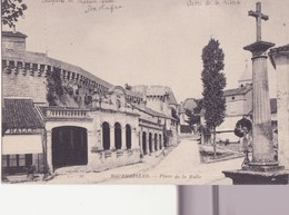 CPA - 15. BOURDEILLES -  Place De La Halle - Altri Comuni