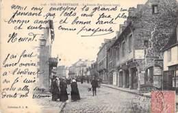 35 - DOL DE BRETAGNE : Grande Rue ( Partie Basse ) CPA - Ille Et Vilaine - Dol De Bretagne