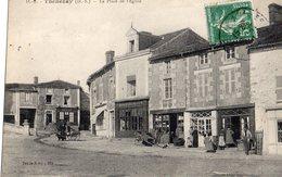 Thenesay  79   La Place De L'Eglise -et Trottoir Bien Animés Et Epicerie Et Café - Thenezay