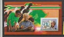 Guinée    YT**  BF 333 Nelson Mandela Nobel De La Paix  Colombe - Nobelprijs