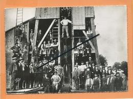 CPSM -  L'équipe De Sondage De La Source Thermal De Morsbronn Les Bains -La Source En Pleine éruption En L'Année 1904 - France