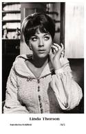 LINDA THORSON - Film Star Pin Up PHOTO POSTCARD - 78-1 Swiftsure Postcard - Artistas