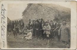 GRÈCE SALONIQUE , CARTE PHOTO : Groupe De Serbes , Grecs , Turcs , Etc - Grèce
