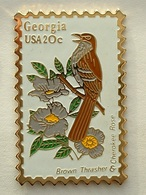 PIN'S TIMBRE - OISEAU - GEORGIA  USA 20c - Animaux