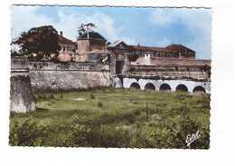 17 Ile De Ré Saint Martin De Ré La Porte Campani Et La Citadelle CPSM GF Edit Estel N°191 - Ile De Ré