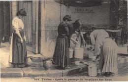 Toulon - Après Le Passage Du Torpilleur Des Rues - Cecodi N'934 - Toulon