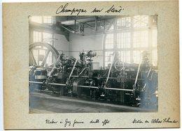 1 PHOTO ORIGINALE - CHAMPAGNE SUR SEINE (MOTEUR A GAZ PAUVRE DOUBLE EFFET,STATION ATELIERS SCHNEIDER) CLICHE 190?. - Lieux