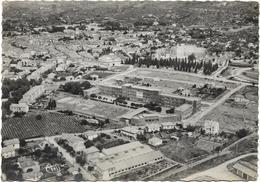 CPSM - Format 10,5x15 -  édit. CIM - 10 - DRAGUIGNAN - Vue  Aérienne Du Collège De Filles Et La Ville - Draguignan