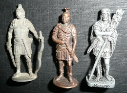 Rare Lot 3 Figurines Métal Kinder Vintage Romain Romano N°1 Roman Romains - Figurines En Métal