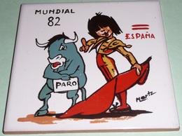 Rare Carreau De Terre Cuite émaillé, Mondial Mundial 82,  ESPANA Espagne1982, Mascotte PARO, Torero Toreador - Football