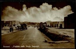 Ref 1273 - Real Photo Postcard - L'infilata Della Strada Imperiale - Decamere Eritrea - Eritrea