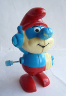 FIGURINE SCHTROUMPF - SMURF - PIFUTOS - CEJI 1983 MARCHEUR GRAND SCHTROUMPF - Smurfs