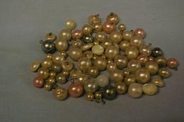 Lot De 76 Perles A Identifier - Botones
