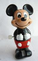 FIGURINE TOMY MICKEY MARCHEUR WALT DISNEY (1) - Disney
