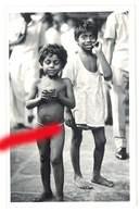 Cpa Carte-photo Afrique , Enfant Nu Dans La Rue - Cartes Postales