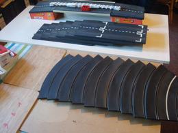 Scalextrix Tri-ang Vintage (vers 1965) Lot De Pistes Rubber - Circuits Automobiles